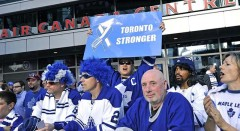Hockey Fan Makes 'Toronto Stronger' Sign To Taunt Boston